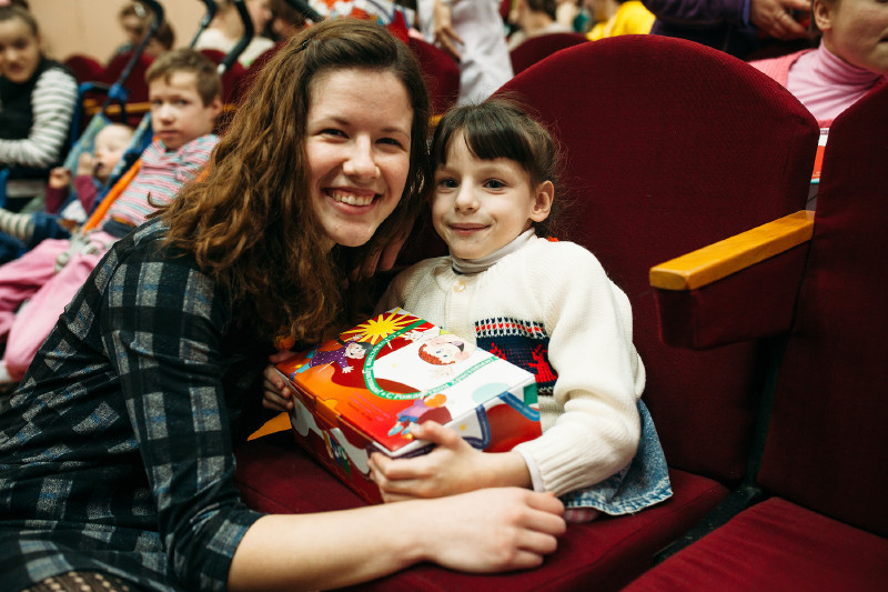 SWW students deliver the Gift of Hope to an Orphanage